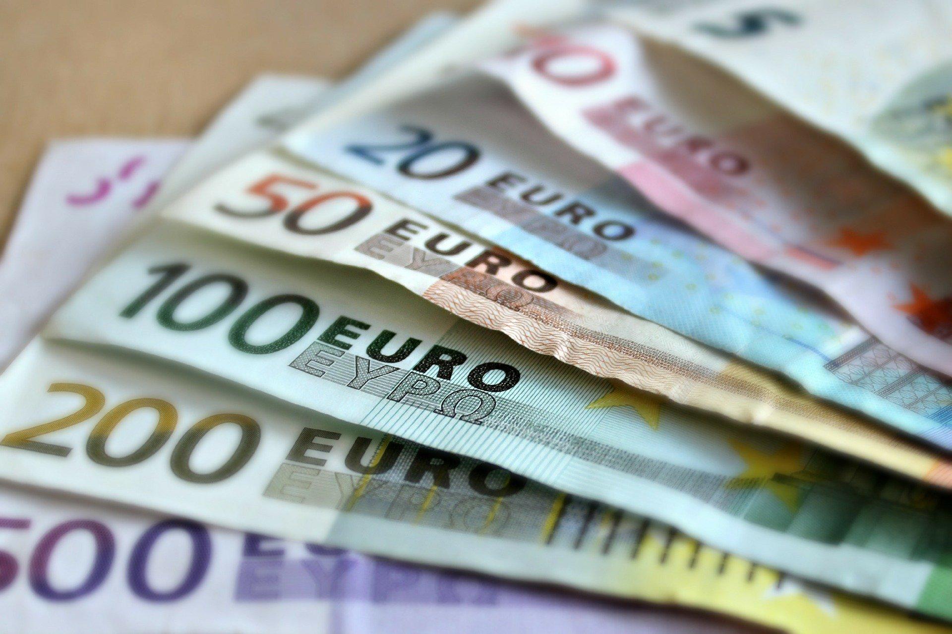 Tous savoir sur l'argent en espèce avec votre banque en ligne.